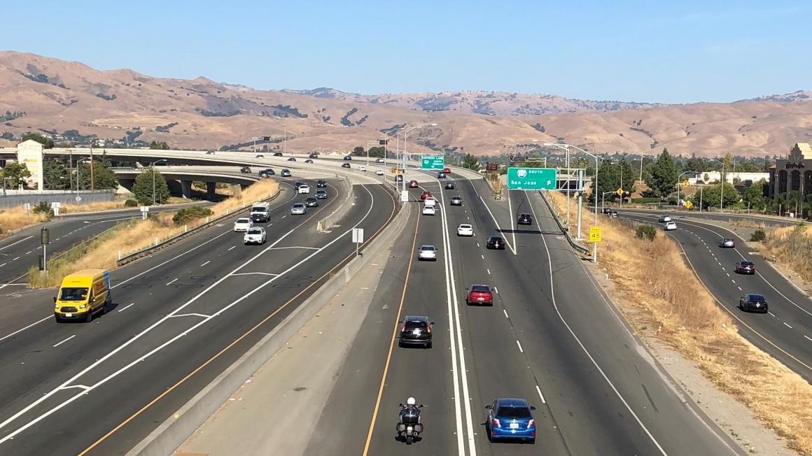 Image of cars in the 880 Express Lanes connector ramp